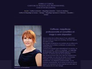 Coiffeuse et maquilleuse professionnelle à Paris