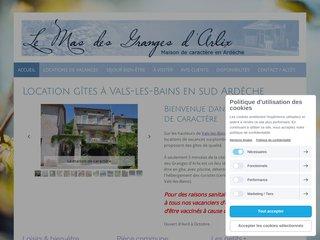 Le Mas des Granges d'Arlix - 4 gîtes bien-être, avec piscine en sud Ardèche
